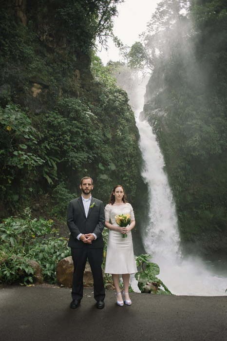 costa-rica-wedding-nature-waterfall