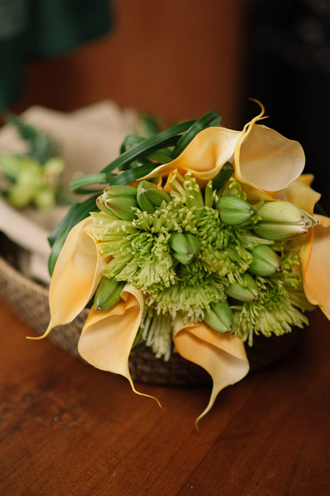 destination-wedding-bridal-bouquet-yellow-green
