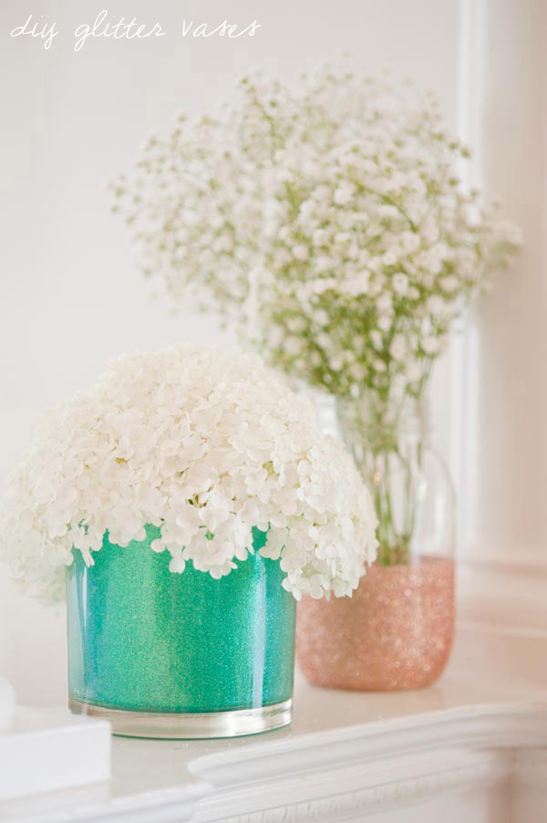 diy-glitter-vases-wedding-decor