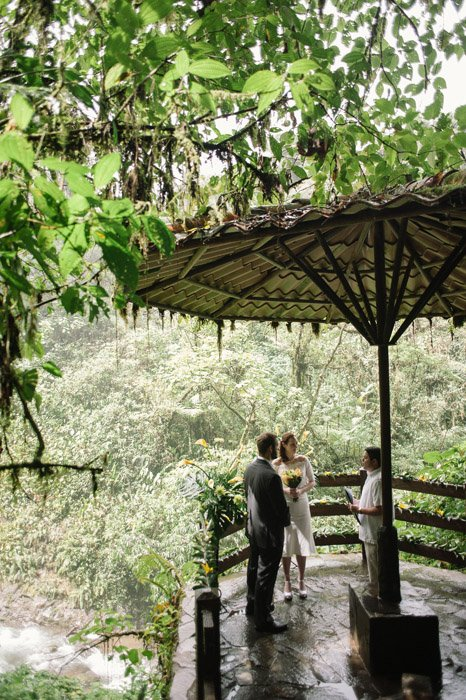 elopement-ceremony-destination-wedding-costa-rica-rainforest