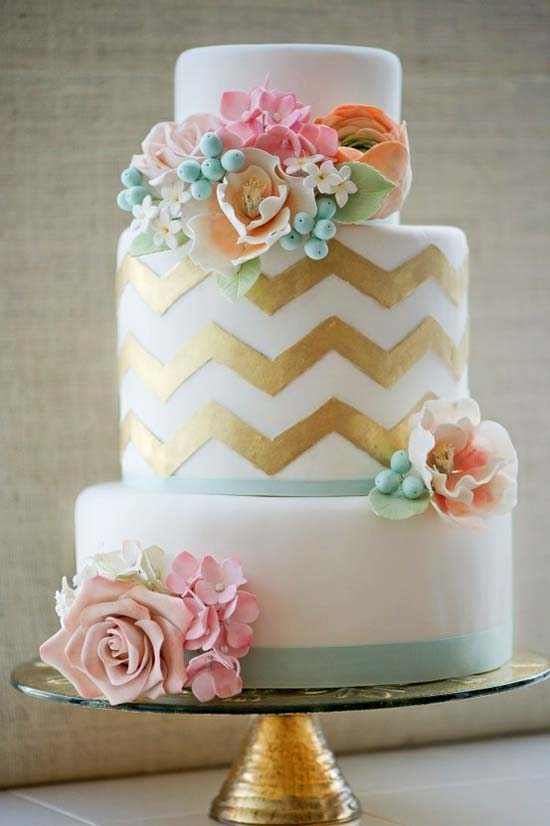 gold-chevron-cake-metallic-wedding-trend