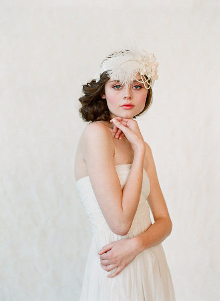 great-gatsby-wedding-accessories-twigs-and-honey