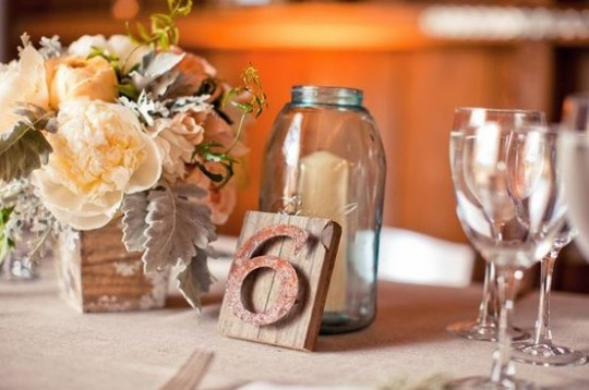 mason-jar-candle-centerpiece-weddings