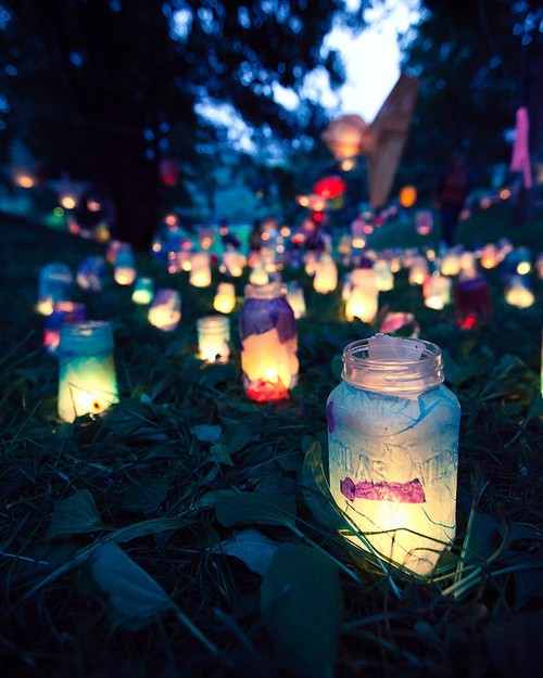 mason-jars-lanterns-wedding-colored