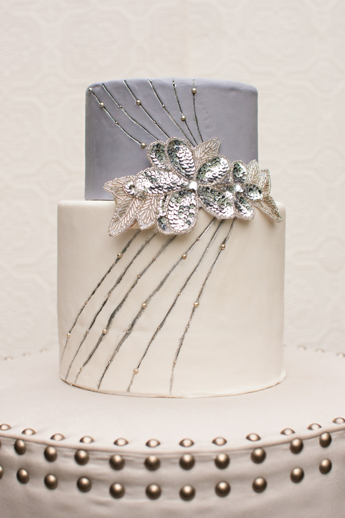 silver-wedding-cake-metallic-trendg