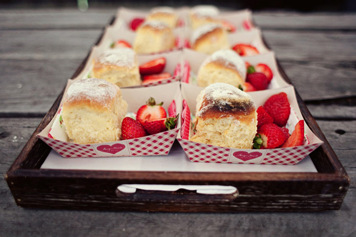Strawbery Scones Shortcake Picnic Wedding Ideas 4707a1adfd0440e9f9ef317e3e068c7e
