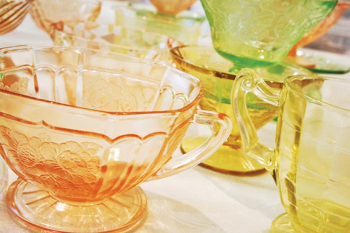 Thủy tinh màu- Lựa chọn hoàn hảo cho đám cưới theo phong cách Vintage.