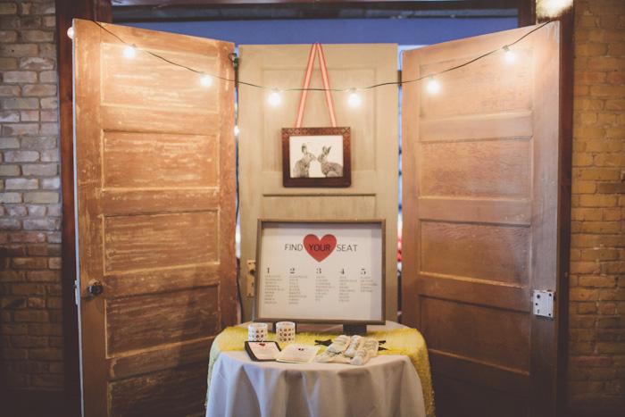 intimate-austin-tx-restaurant-wedding-jennie-and-chris-11