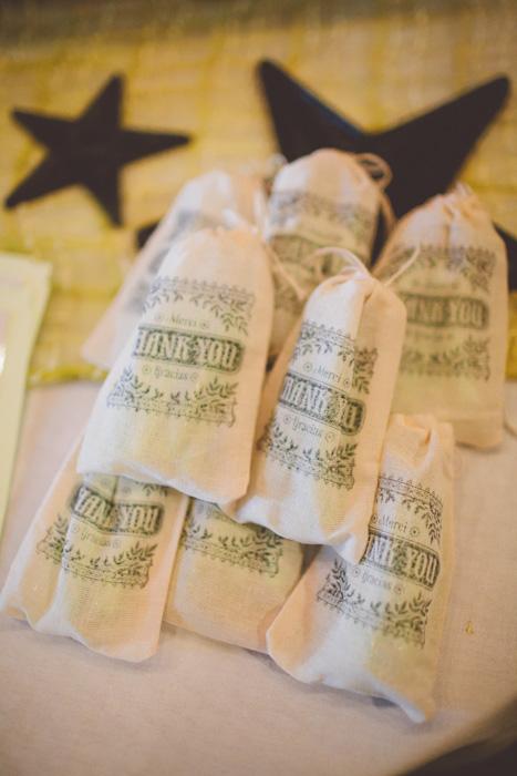 intimate-austin-tx-restaurant-wedding-jennie-and-chris-9