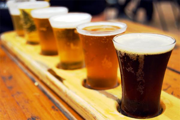 beer-tasting-station-weddings