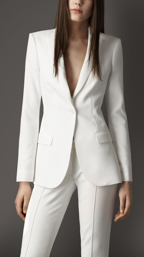 10 Great Elopement Dresses | White Burberry Tuxedo