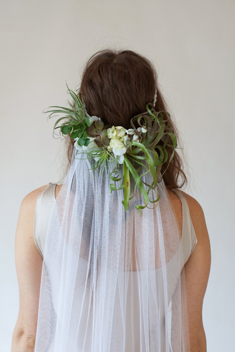 5 Ways to Wear Flowers in your Hair on your Wedding Day | Succulent Crown