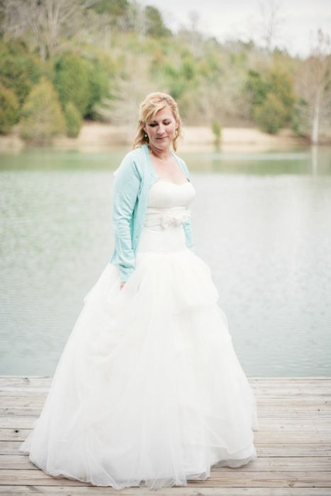 intimate nashville tennesee wedding - bride on dock
