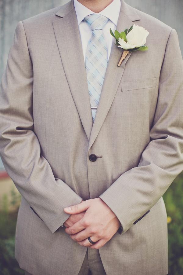 melissa-and-adam-diy-backyard-wedding_4493