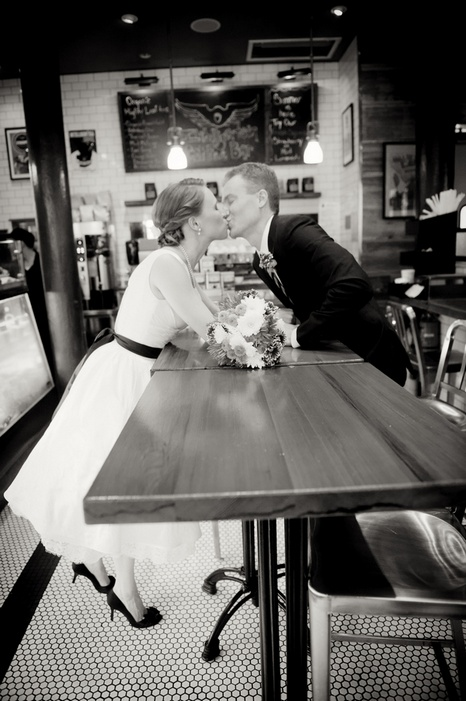 new-york-city-restaurant-wedding-emily-and-christopher-07_low