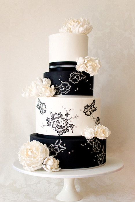 Black and white floral wedding cake
