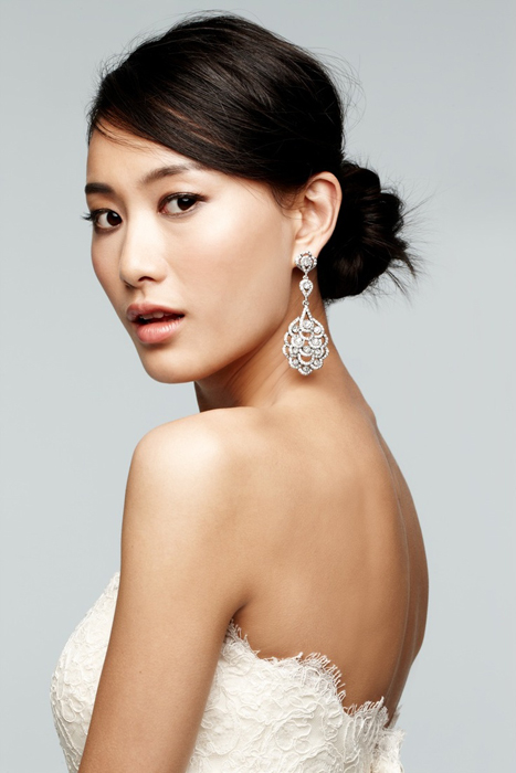 Nina 'Eiffel' statement earring