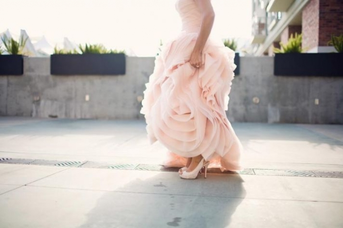 bride-wears-pink-vera-wang-wedding-dress-shows-off-wedding-shoes__full
