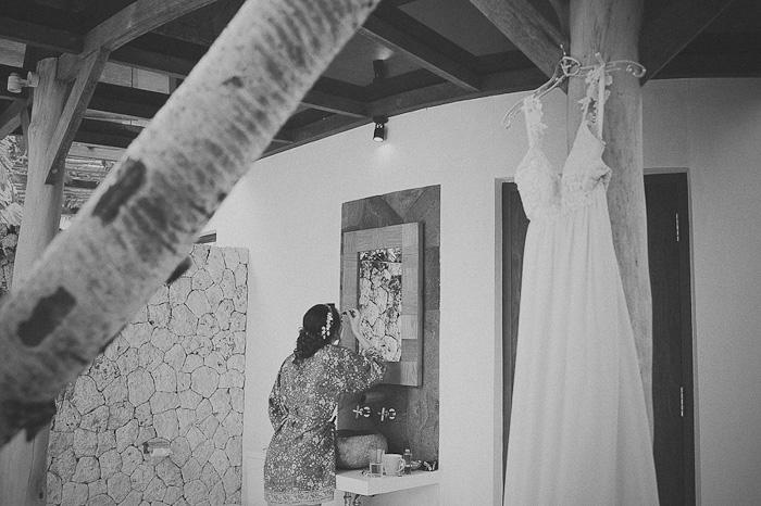 bride getting ready in Bali