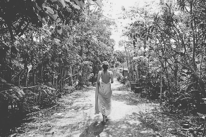 bride going to meet her groom in Bali