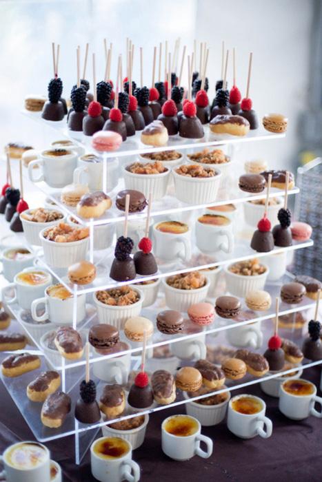 deluxe dessert station