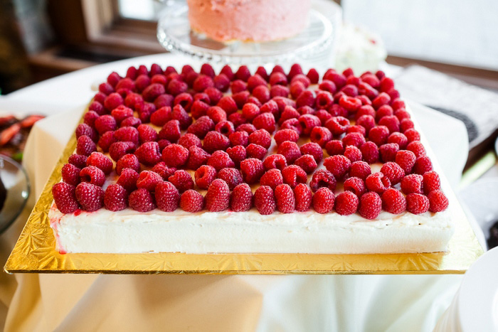 raspberry wedding cake