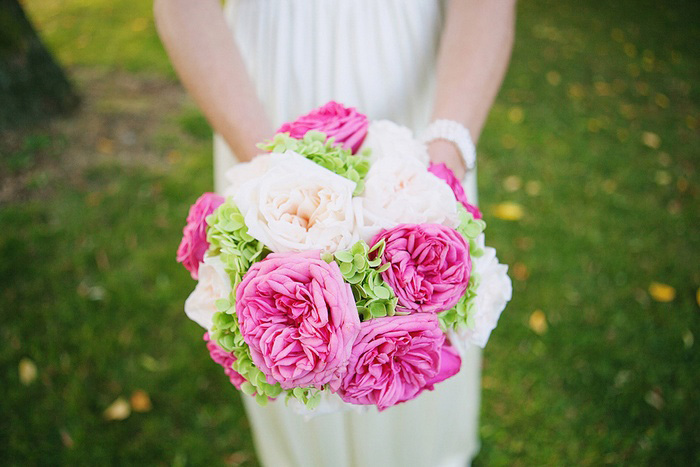 pink and white garden rose bouquet