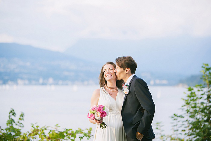 bride and groom in vancouver