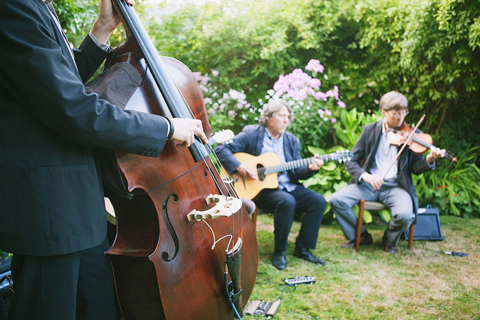 backyard wedding reception musicians