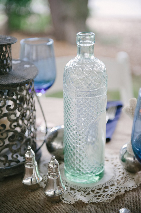 vintage blue bottle weding decor