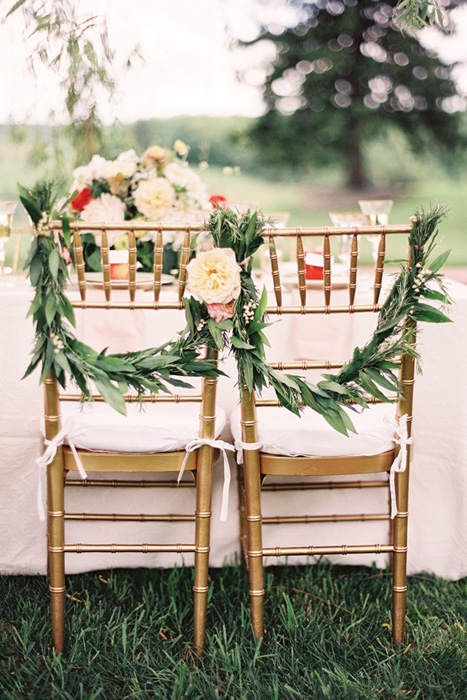 chair-half-wreath