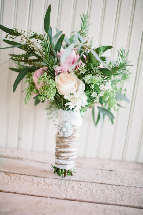 twine wrapped wedding bouquet