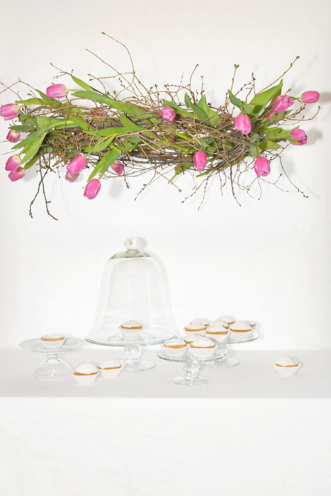 hanging-tulip-centerpiece