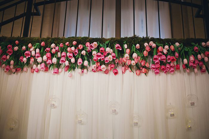 hanging-tulip-ceremony-backdrop