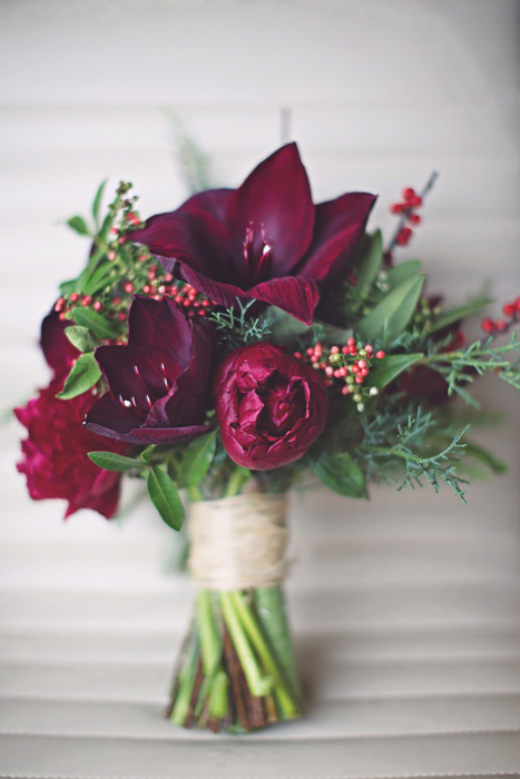 wine colored wedding bouquet