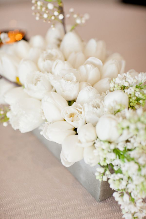 low-clustered-tulip-centerpiece