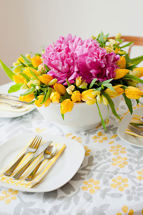 peony-and-tulip-centerpiece