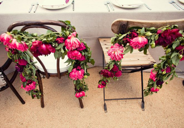 pink-flower-chair-garland