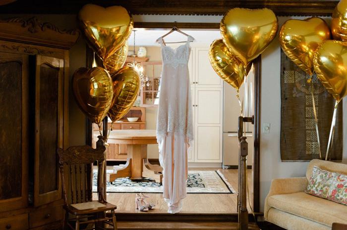 gold heart balloons