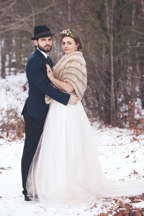 bride and groom winter portrait