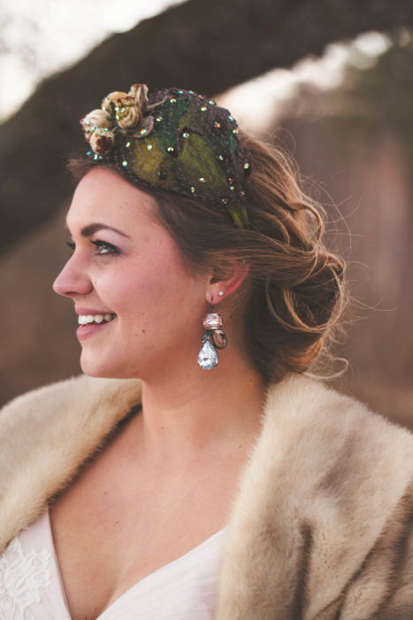 bride in vintage fascinator