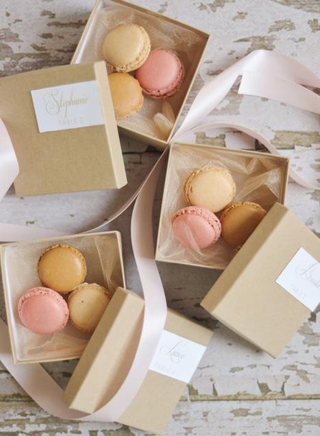 pastel macarons favors