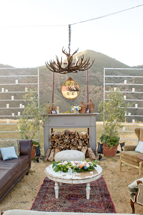 rustic lounge for wedding