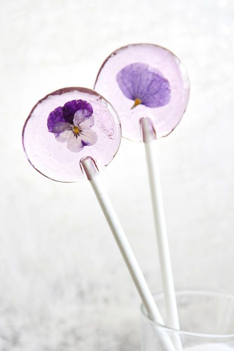 violet lollipop favors