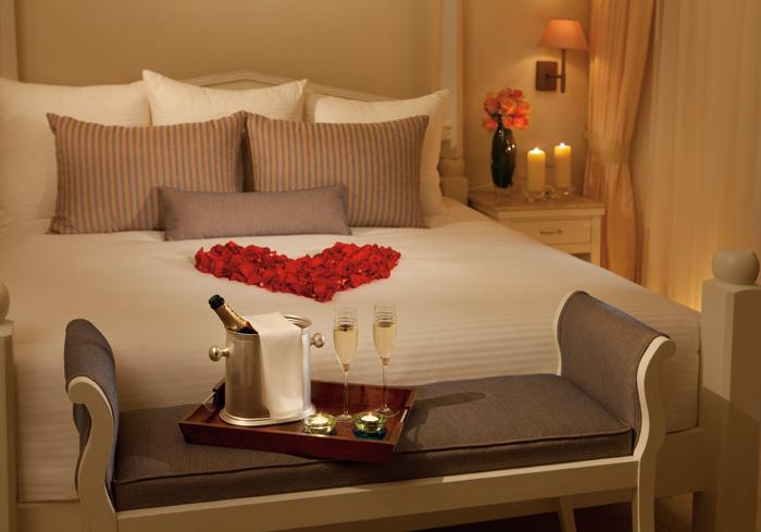 AM resorts honeymoon suite