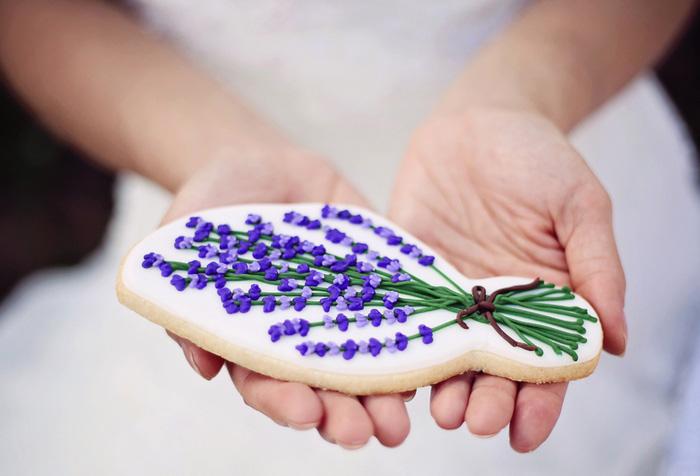 lavender cookie