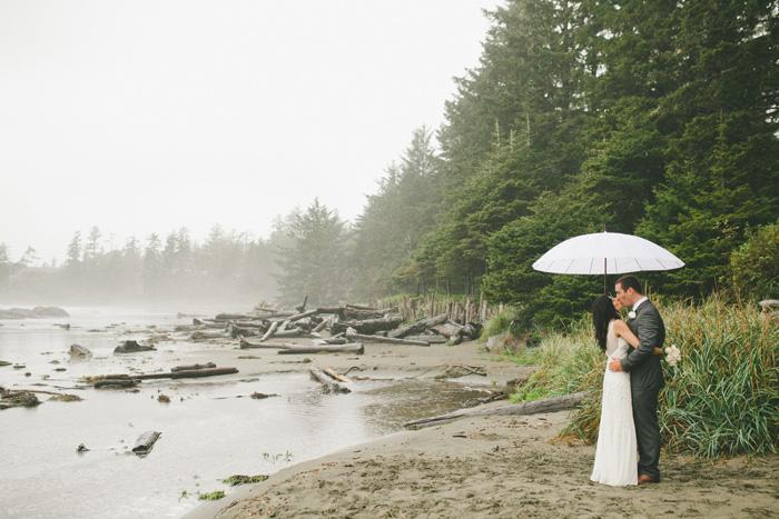Rainy Tofino elopement