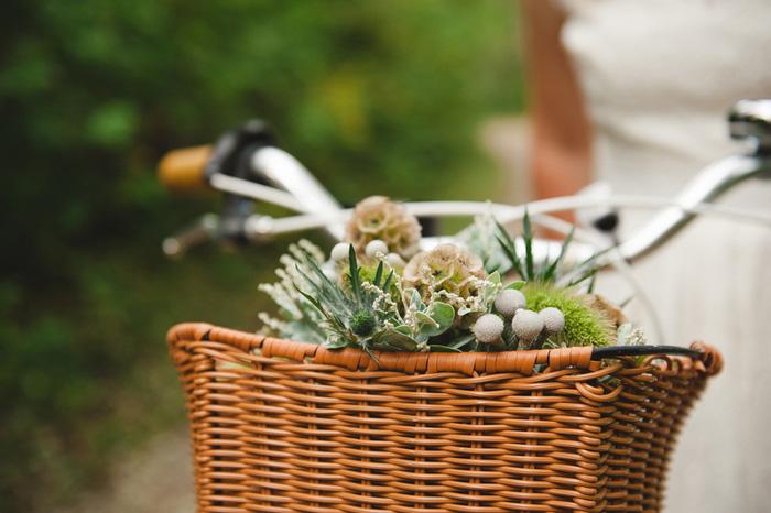 bouquet in bike basket