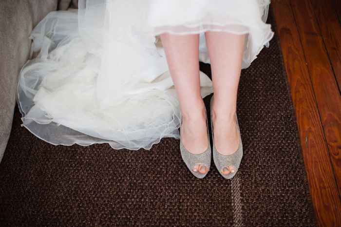 bride's peep toe shoes