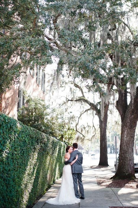 brie and groom on Savannah street